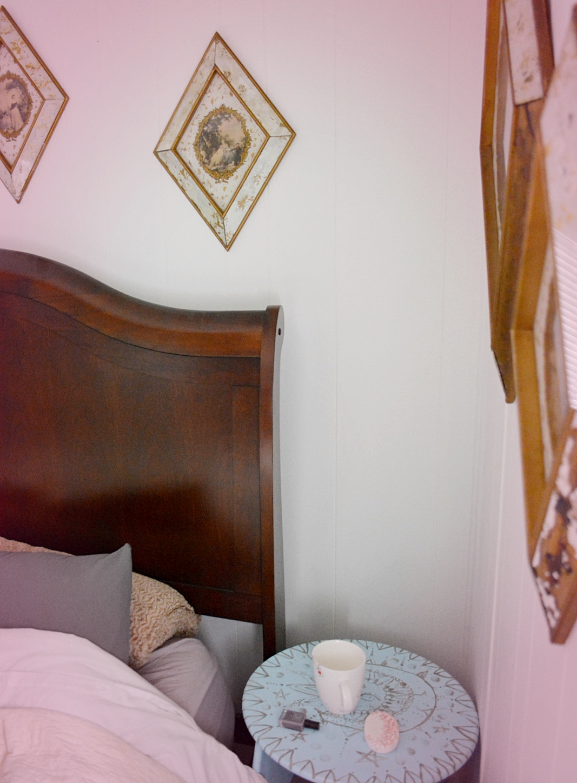 Temporary Boho Apartment Bedroom Design